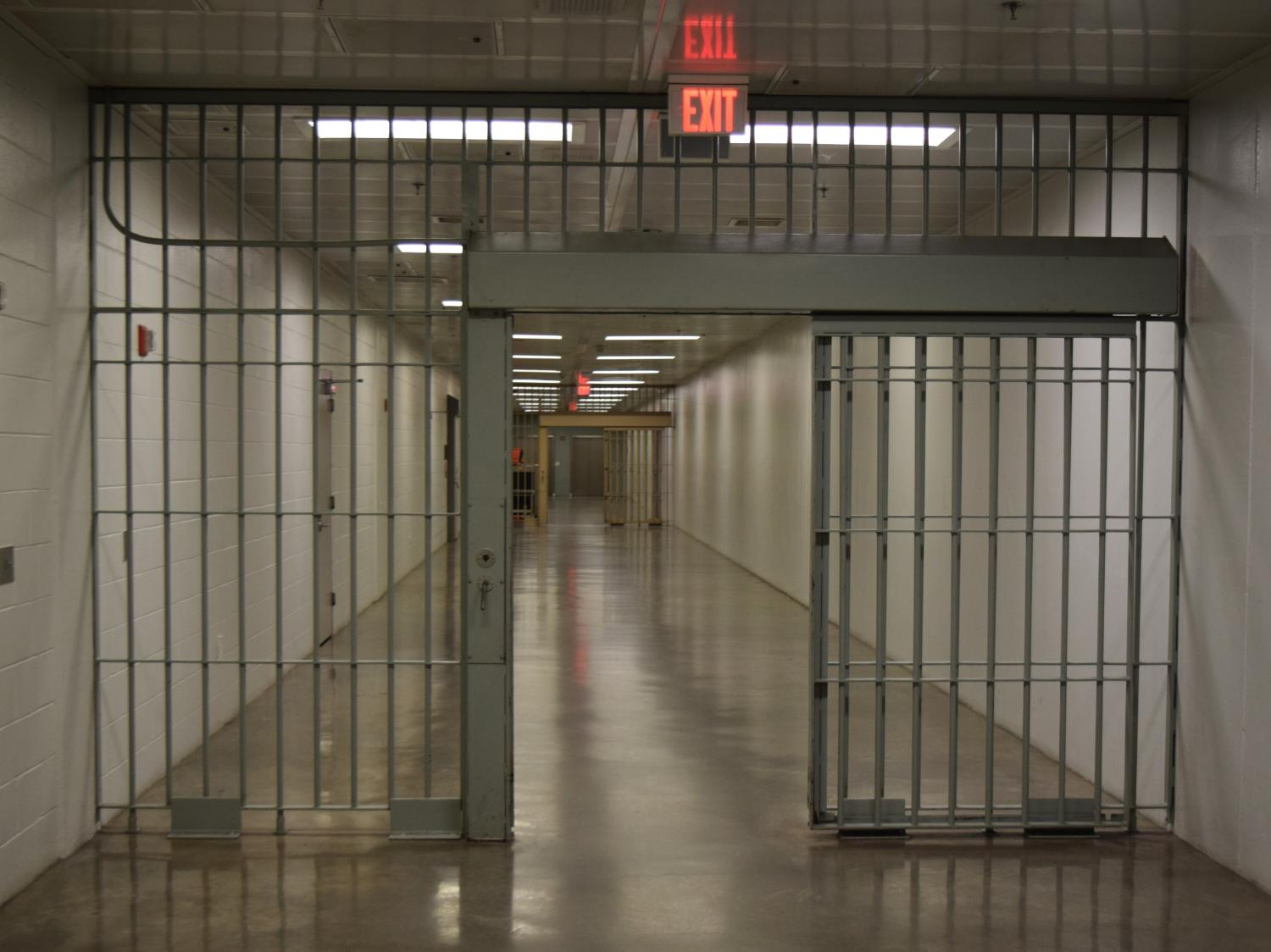 Arizona House Votes To Forbid Jail Officials From ...