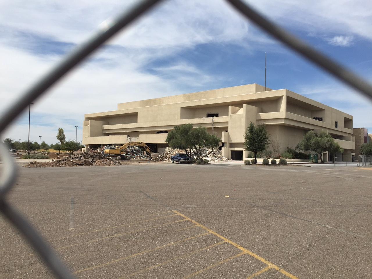 Goodbye Metrocenter Mall Why A Developer Plans To Demolish Phoenix Landmark Kjzz