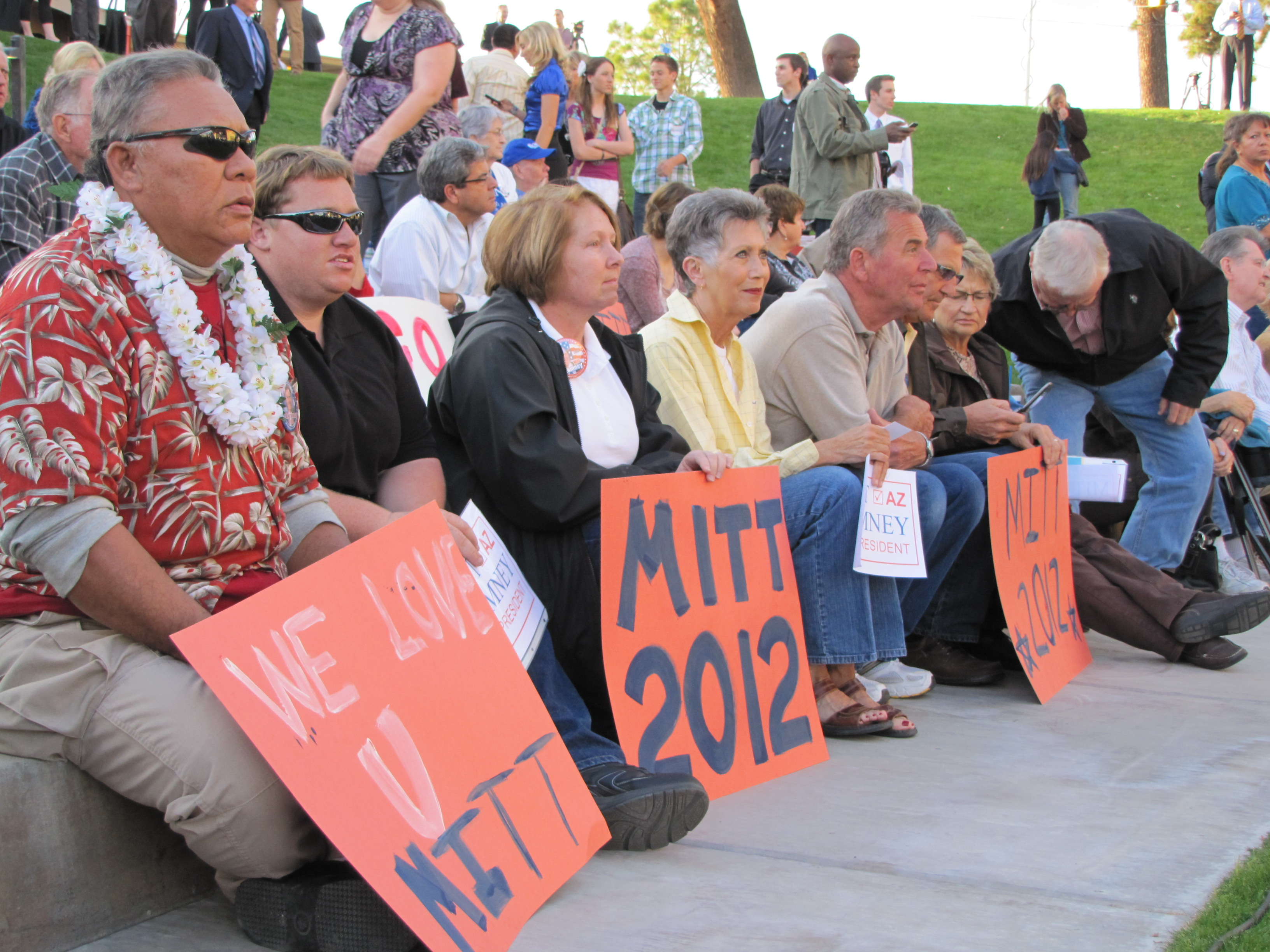 Mitt Romney visits Mesa