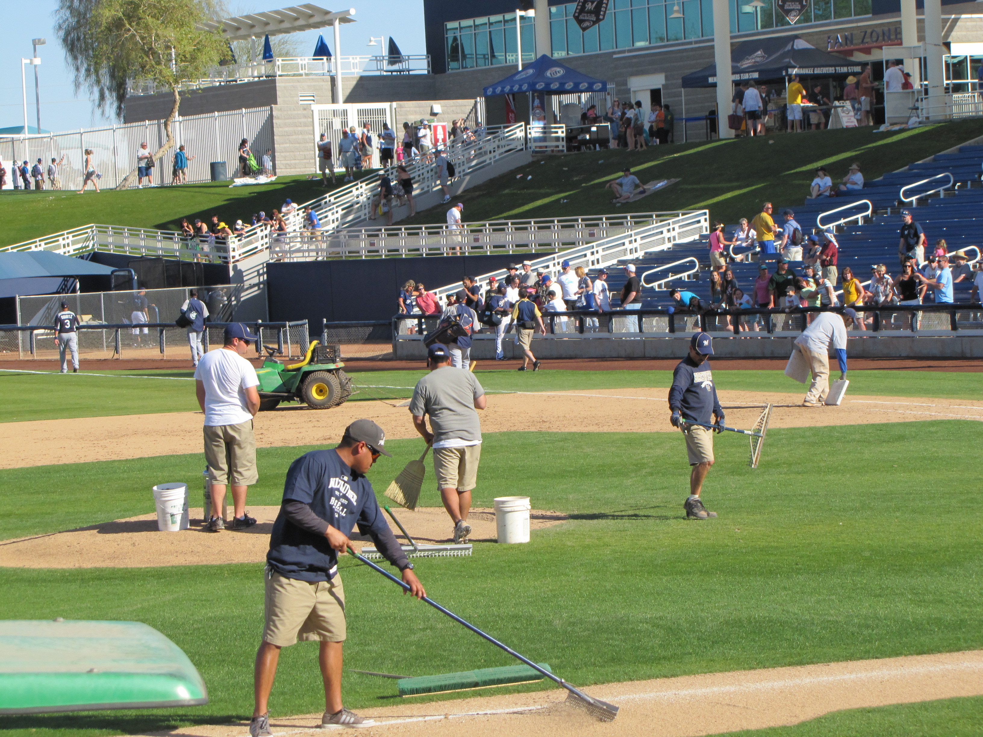 Milwaukee Brewers grounds crew
