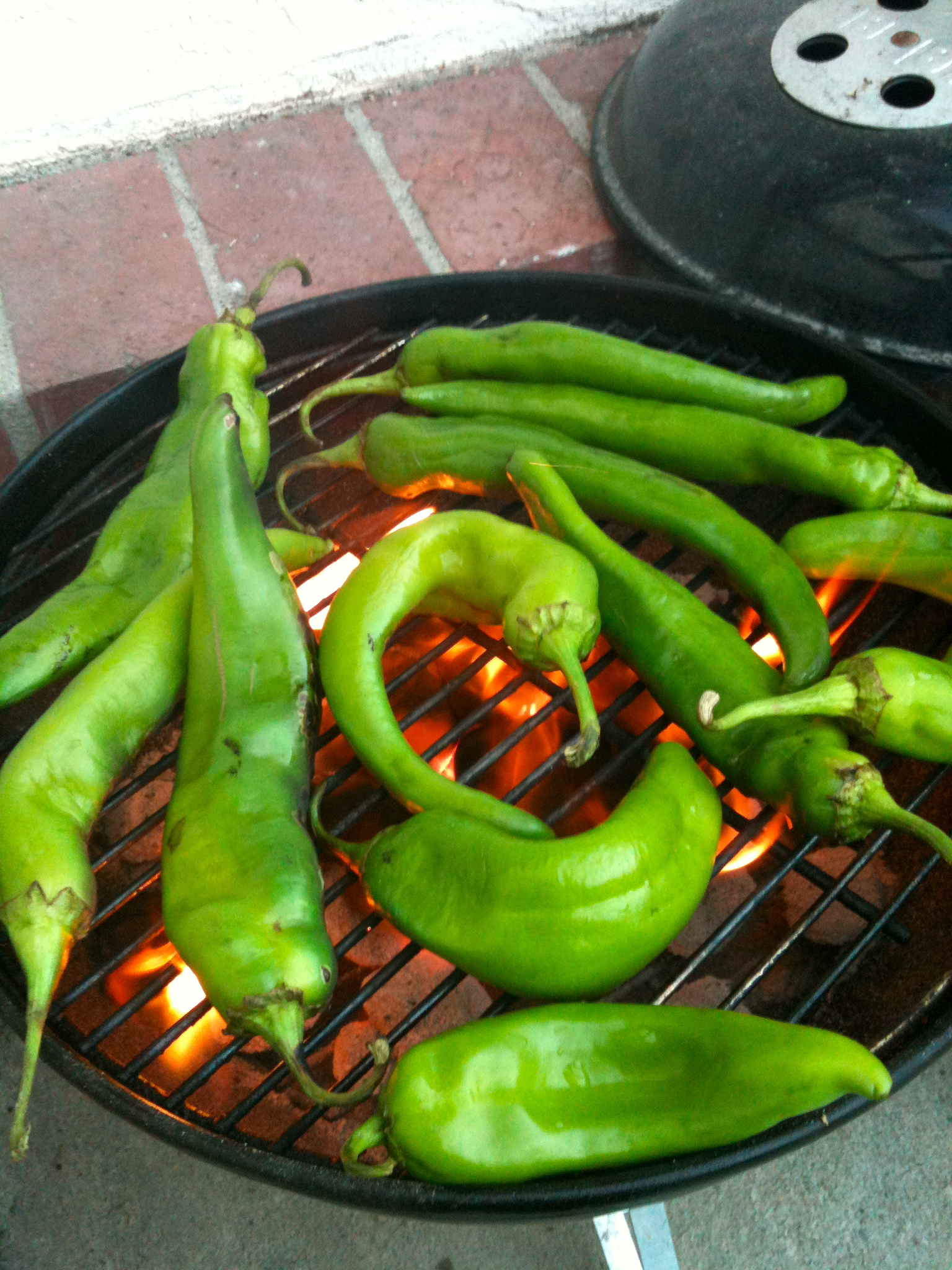 New Mexico green chile roasting.