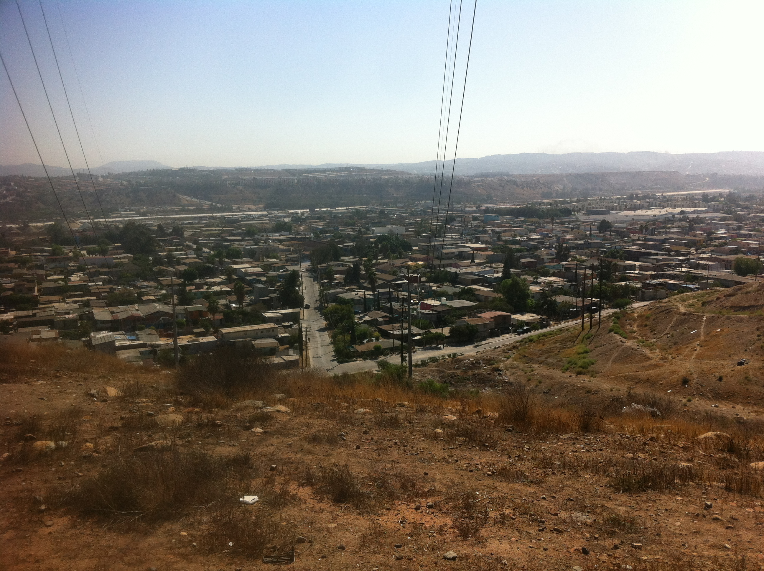 The Metales y Derivados site overlooks a working class neighborhood.