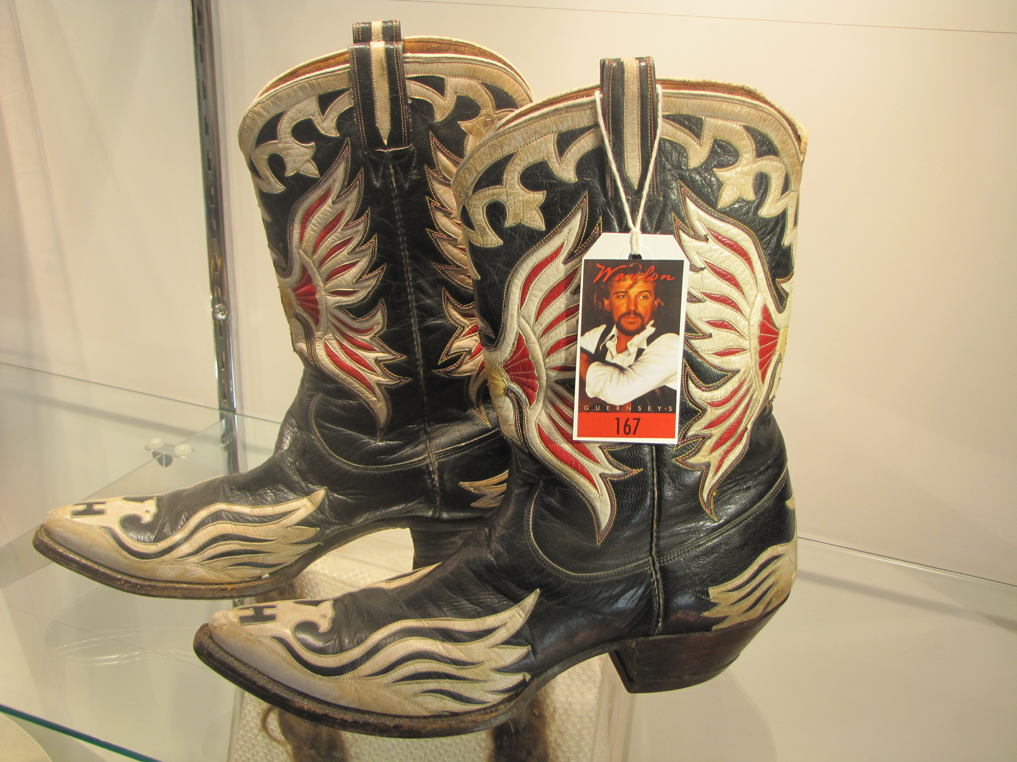 Country Star Waylon Jennings Personal Items To Be Sold At