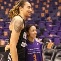 Phoenix Mercury Re-Sign Brittney Griner