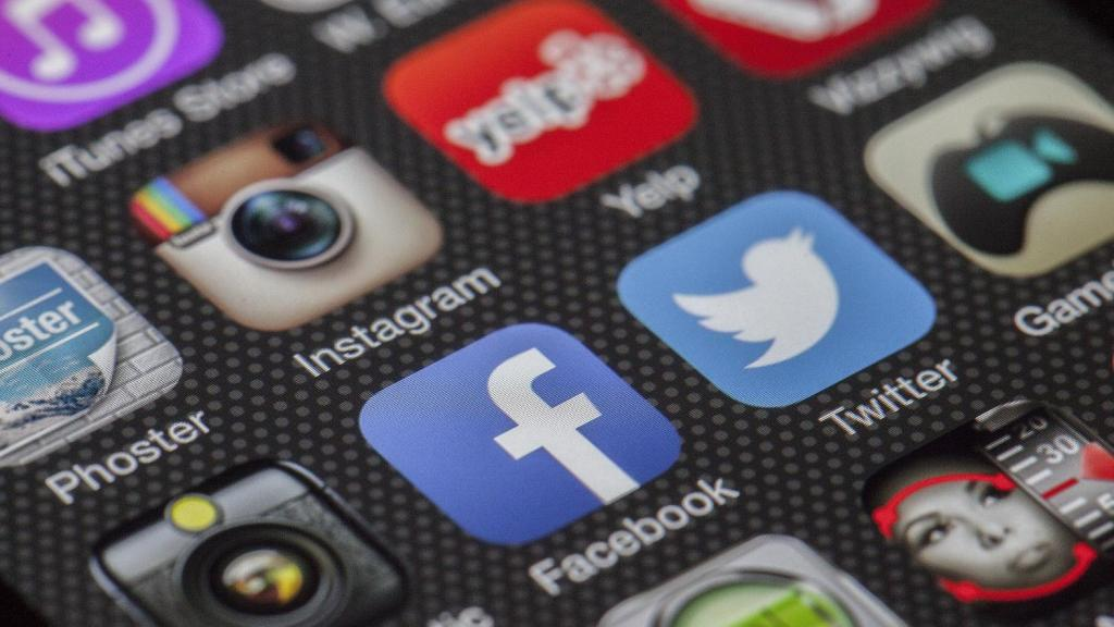 facebook twitter phone apps