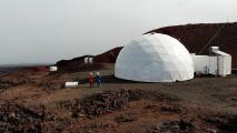 Simulating Mars in Hawaii: All-Female Crew Wraps Up Mission