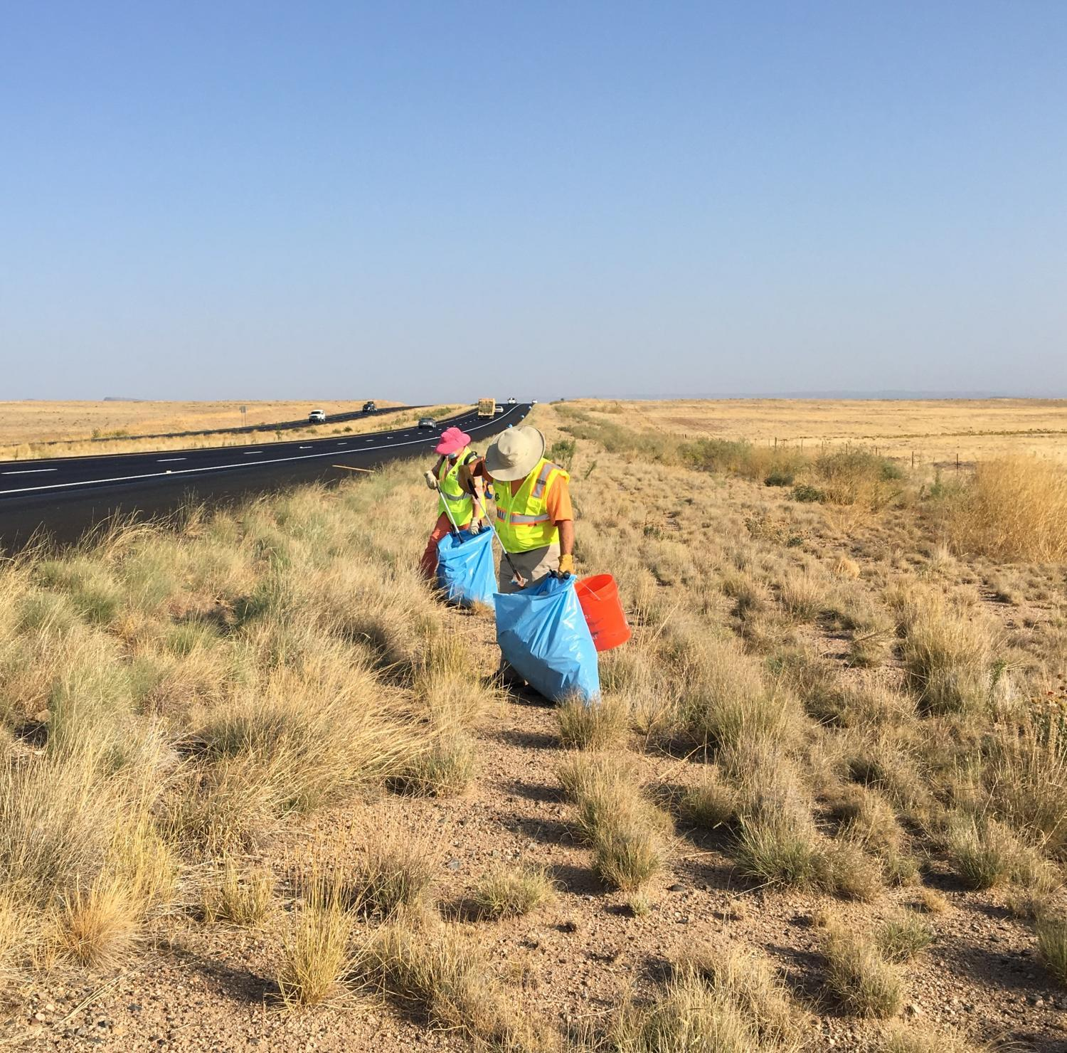 Volunteers pick up trash on State Route 89