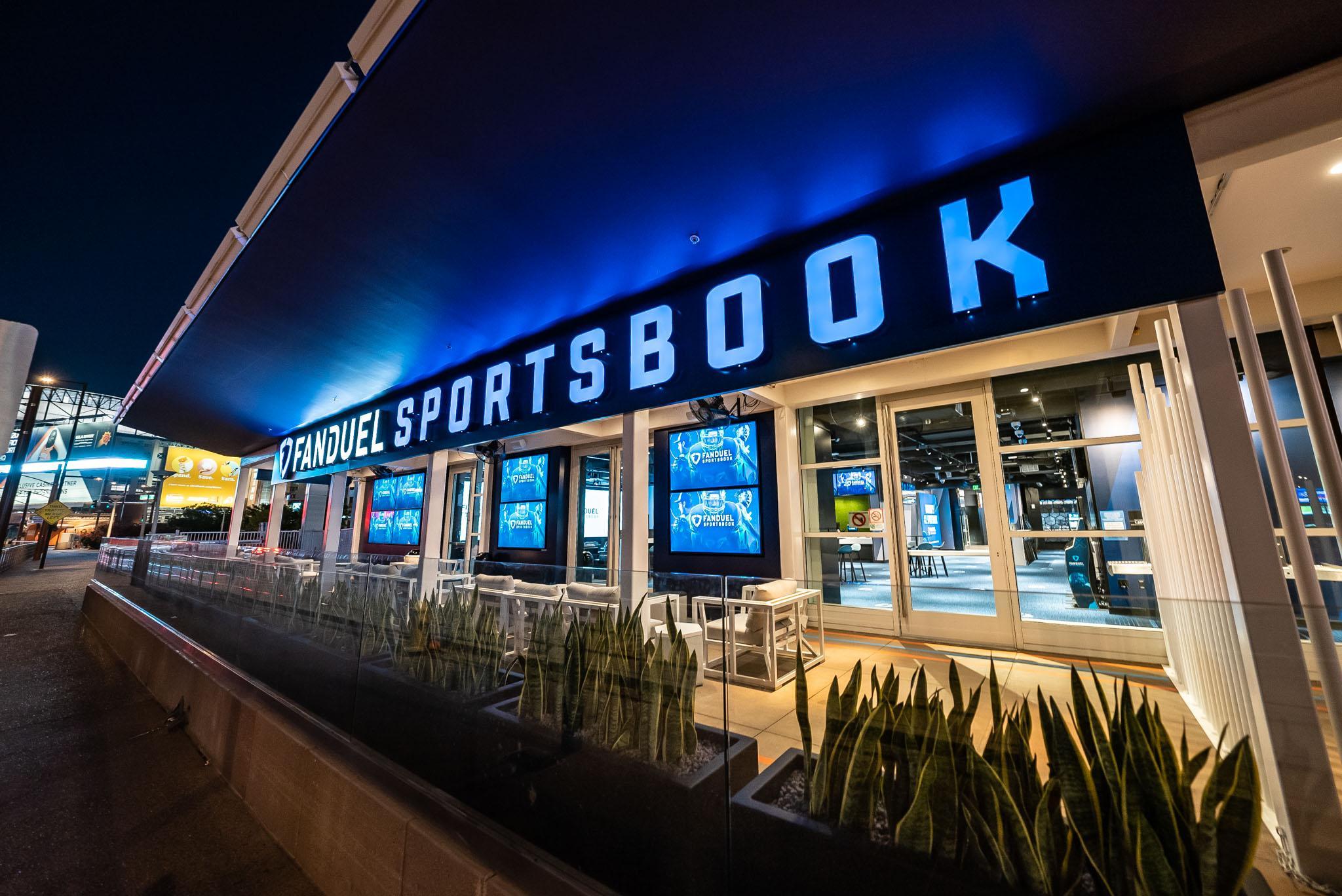 FanDuel Sportsbook Footprint Center Phoenix