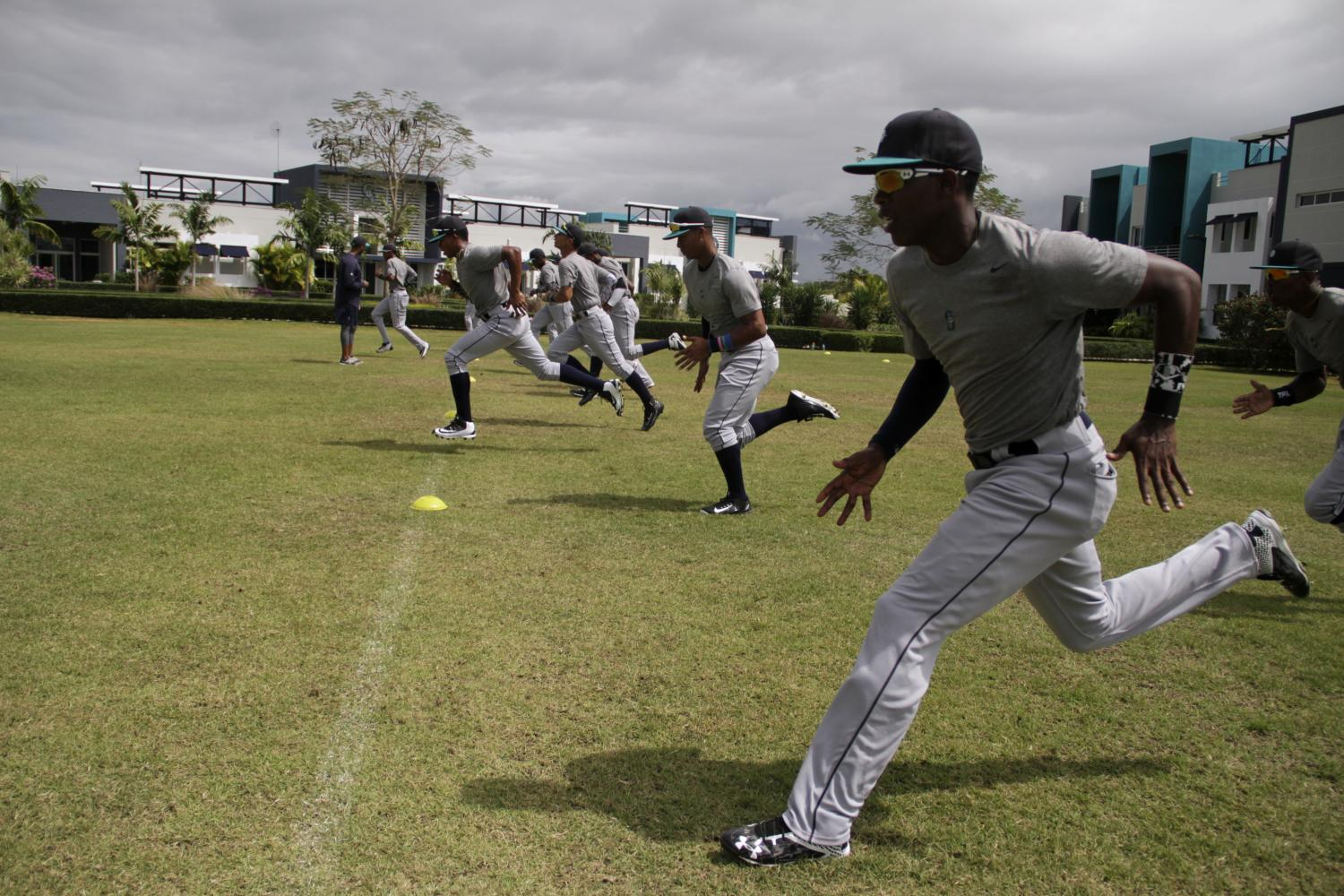 Recruits work out  at the Seattle Mariners Academy.