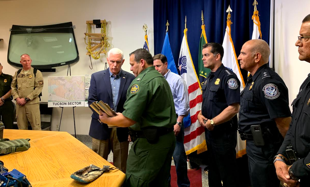 Pence and Ducey at border