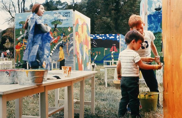Children paint murals