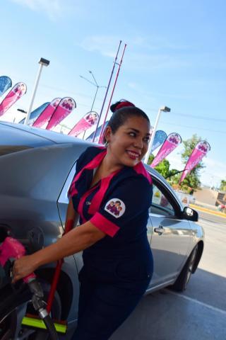 RendiChica fuel attendant
