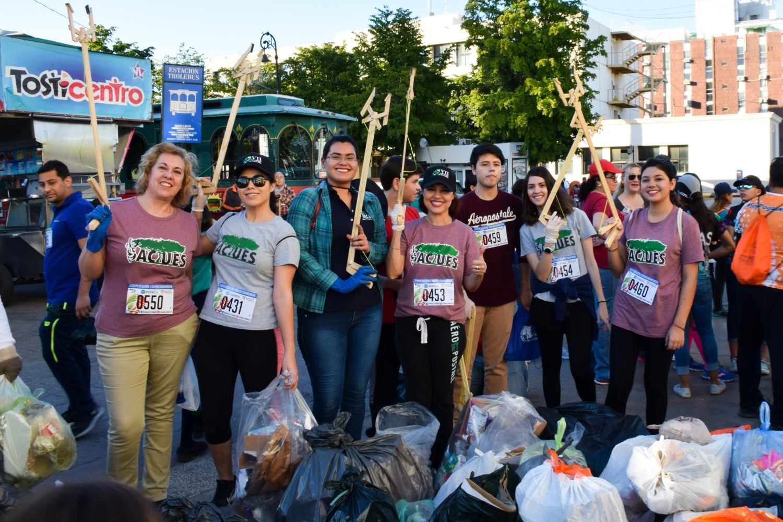 Ploggers non-profit trash Hermosillo, Sonora
