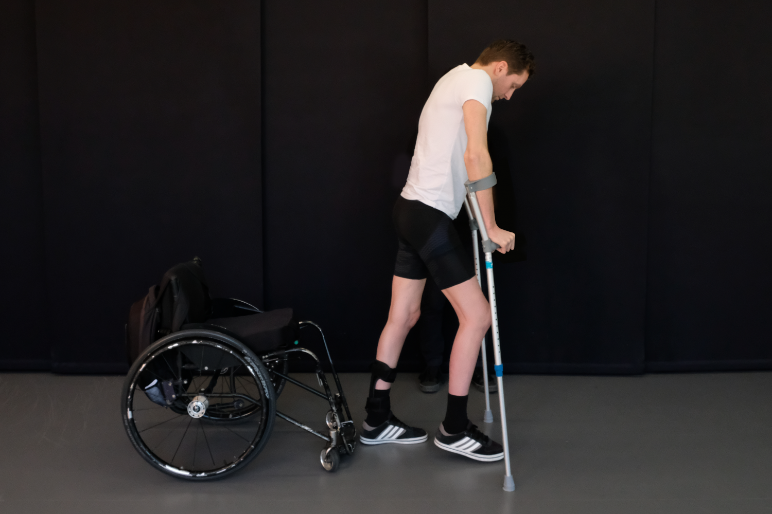 patient with lower-limb paralysis