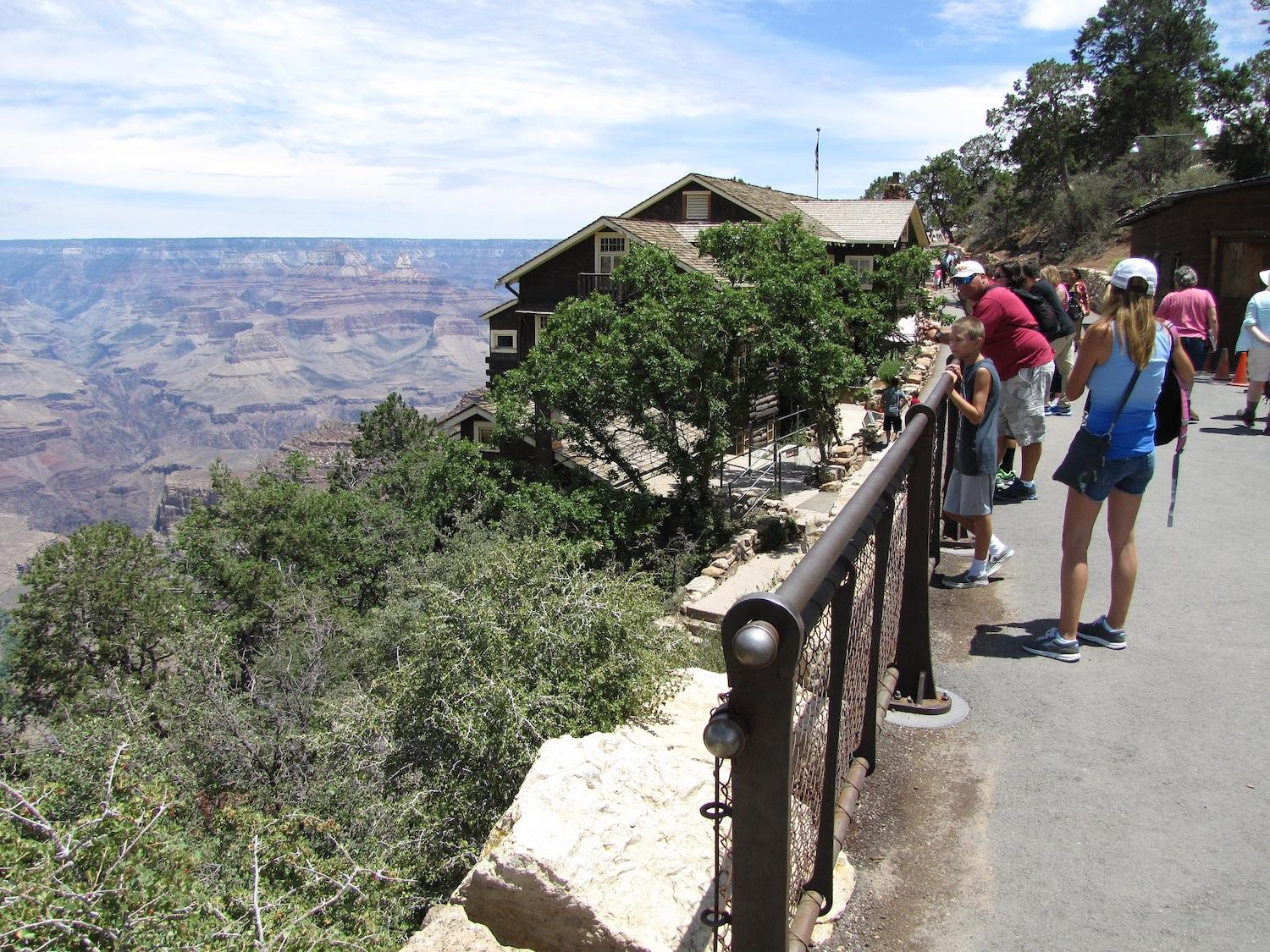 Tourists looking in to the Grand Canyon