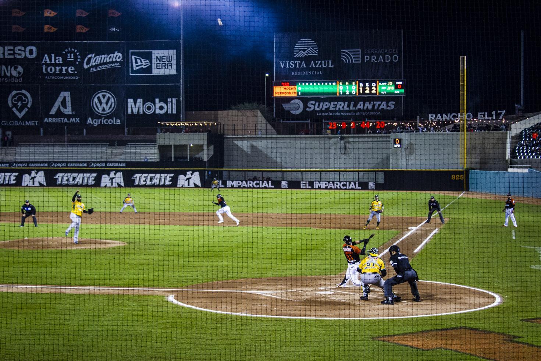 Naranjeros baseball game