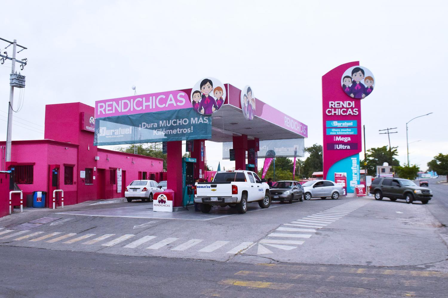 RendiChicas gas station Hermosillo