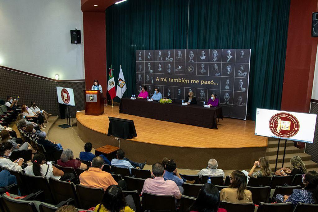 """presentation of """"A mí también me pasó,"""" campaign"""