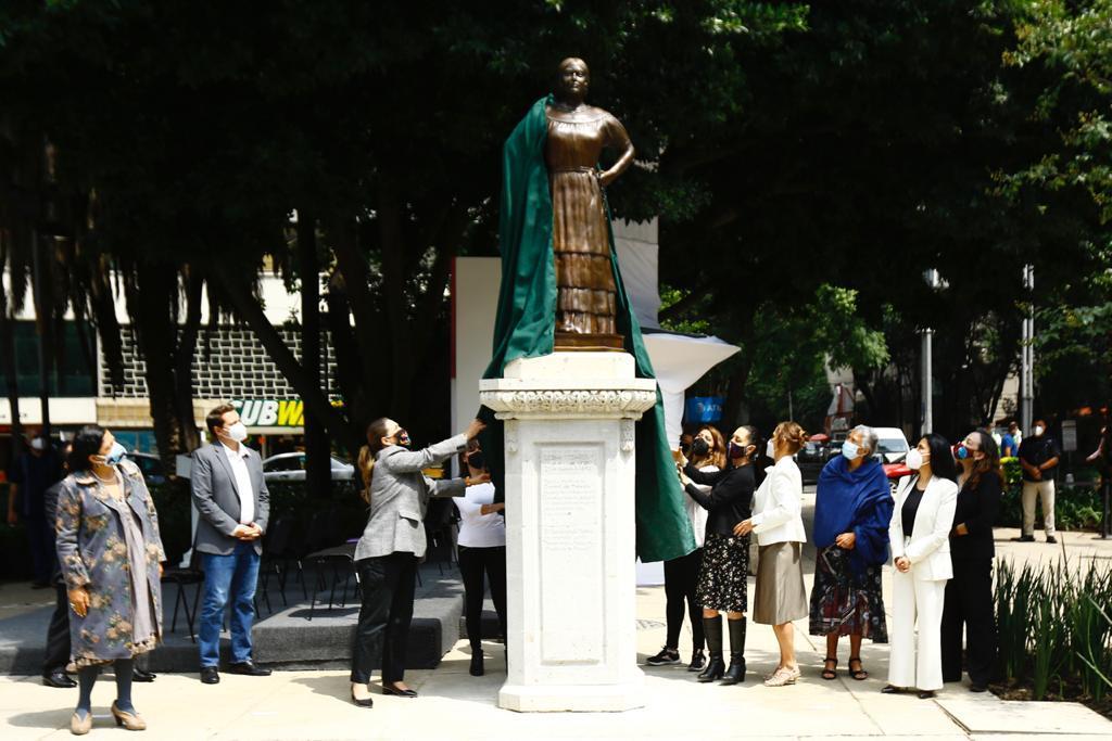 The monument to Leona Vicario