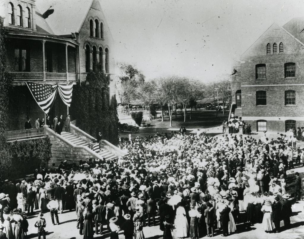 Former President Theodore Roosevelt delivers an address from the steps of Old Main