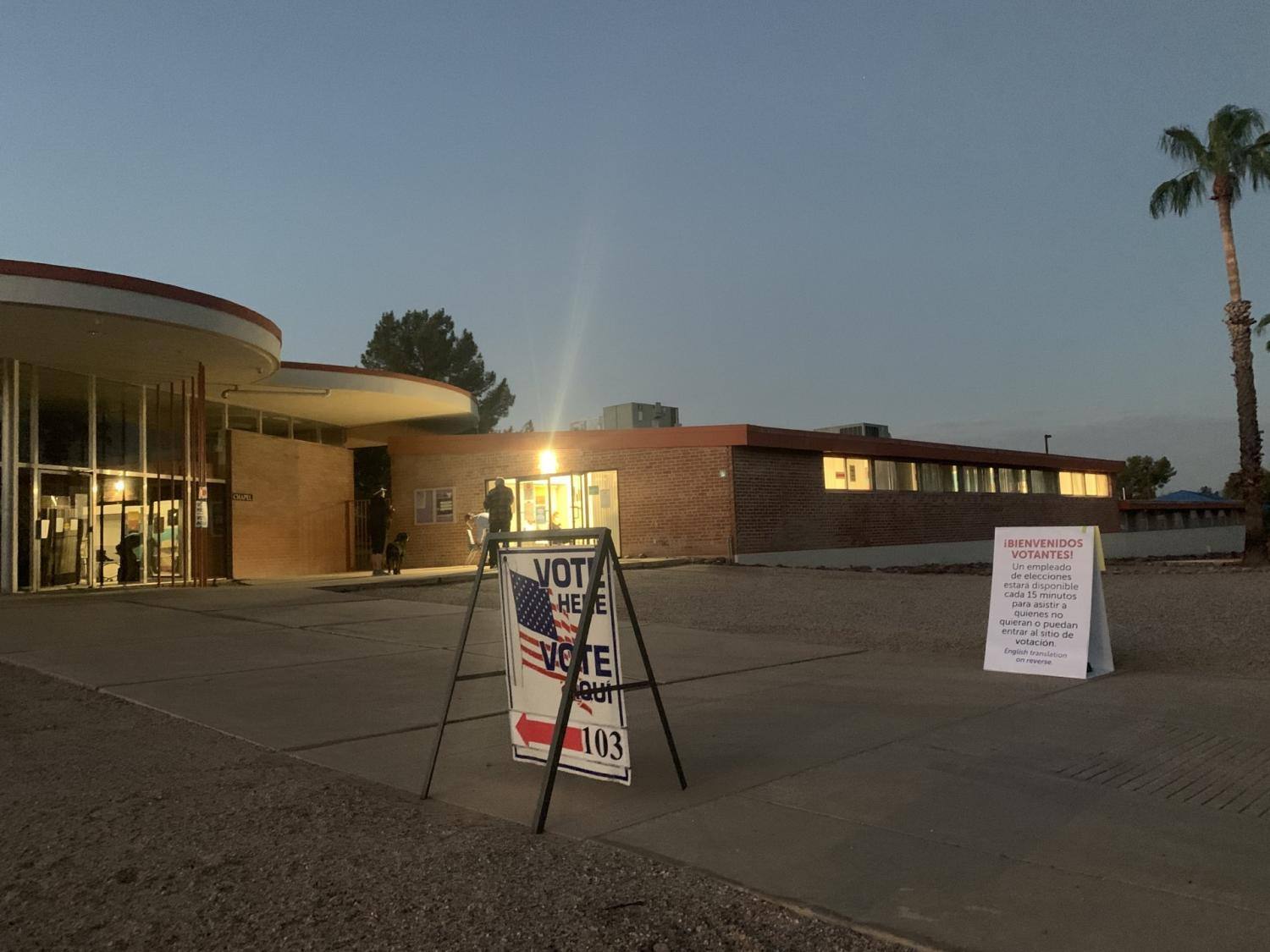 A Tucson polling location open in the early morning