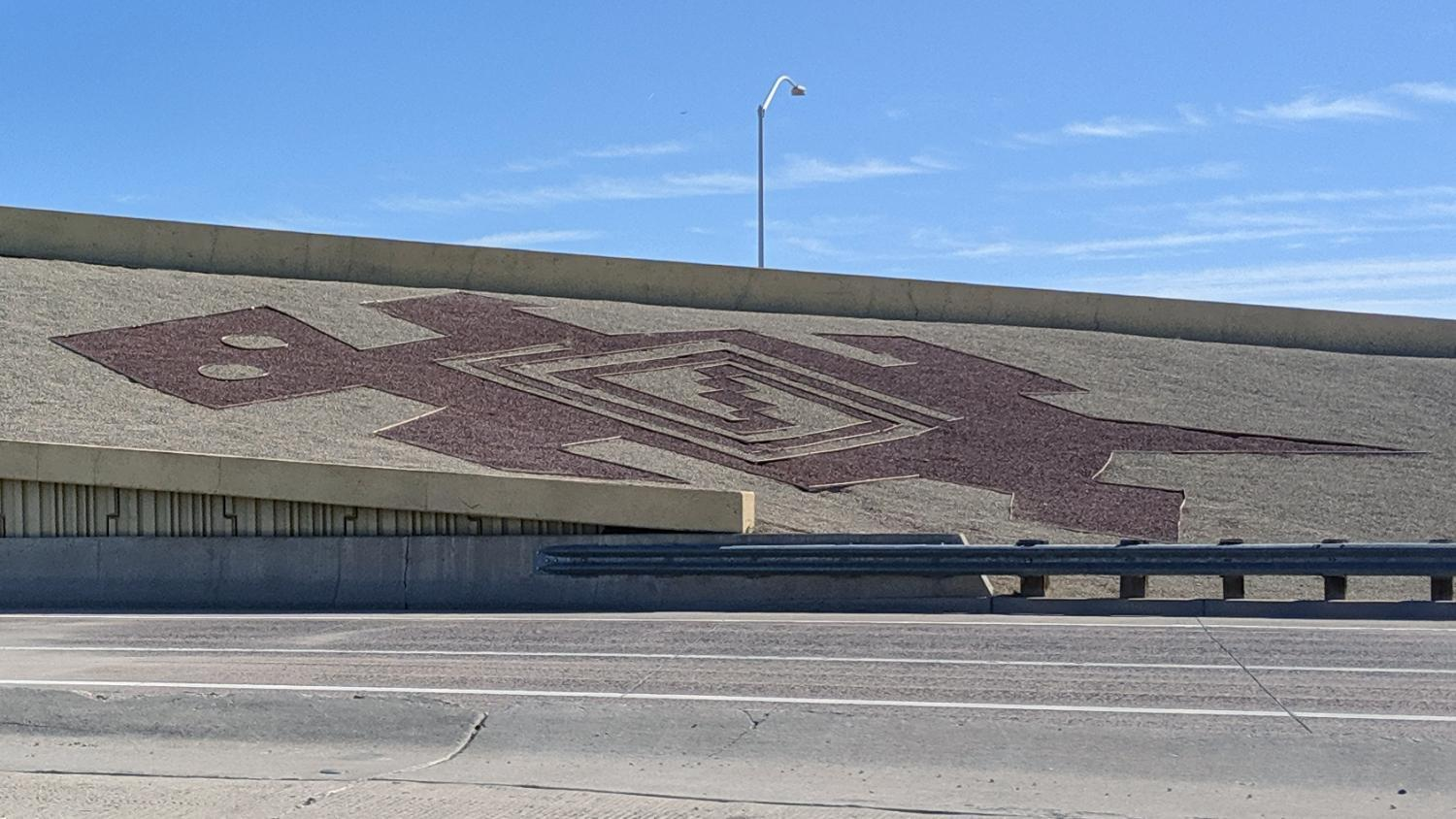 A decoration on an eastbound freeway ramp near Phoenix Sky Harbor Airport