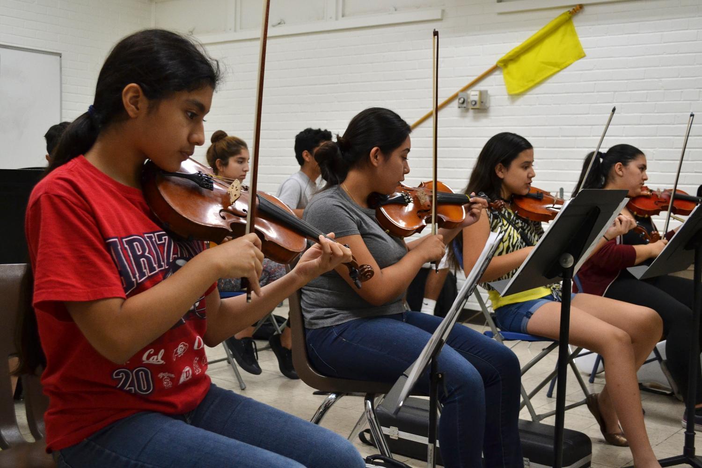 mariachi students