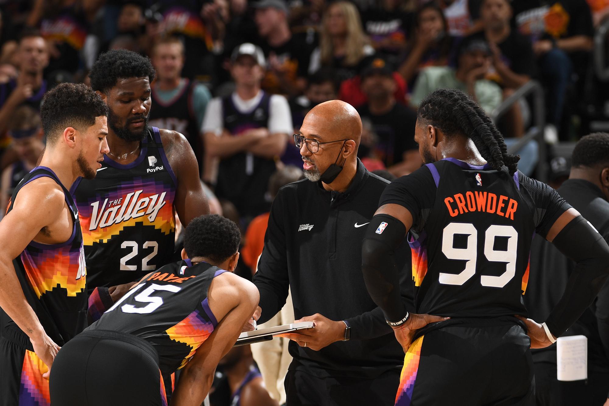Monty Williams Phoenix Suns timeout huddle