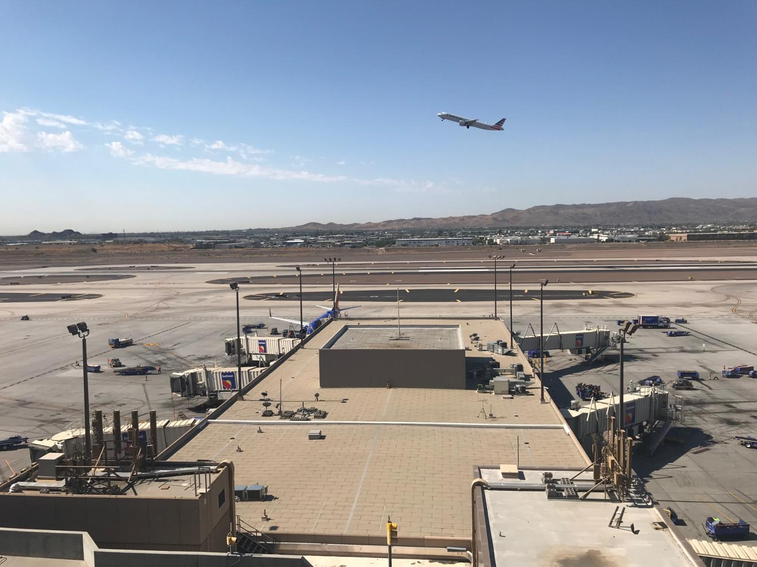 A plane takes off from Phoenix Sky Harbor Airport