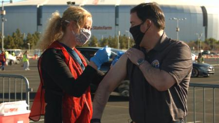 Gove. Doug Ducey gets a COVID-19 vaccine