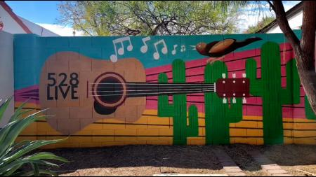 528 Live mural