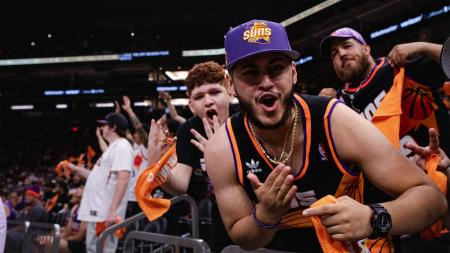 Phoenix Suns fans at Road Game Rally