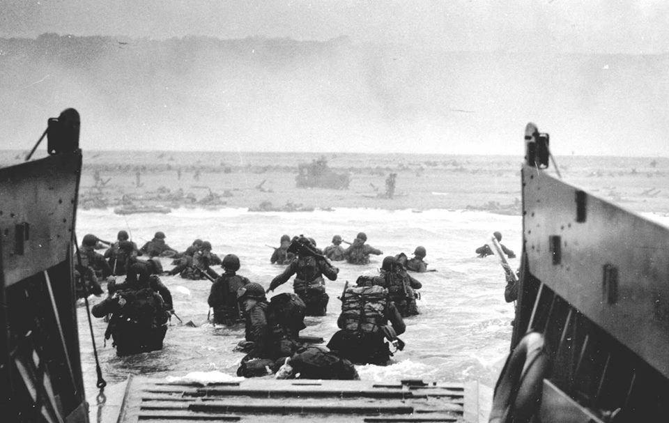 U.S. Soldiers landing on Normandy beach, 1944
